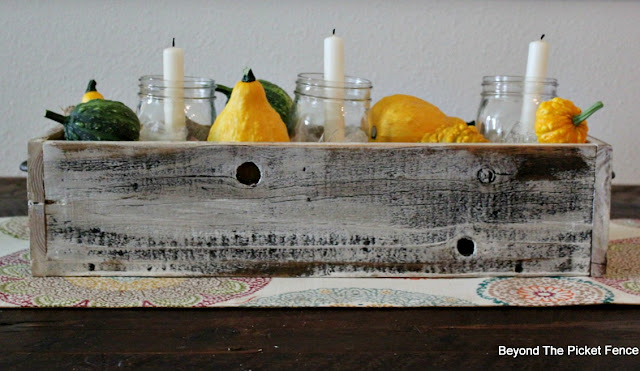 salvaged wood, fence board, crate, centerpiece, fall decor, https://goo.gl/cdoqCj