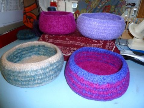 Miss Julias Patterns: Free Patterns - 30 Baskets & Bowls to Crochet