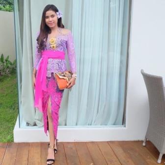 Model Kebaya Bali Terbaru Brokat Lengan Panjang