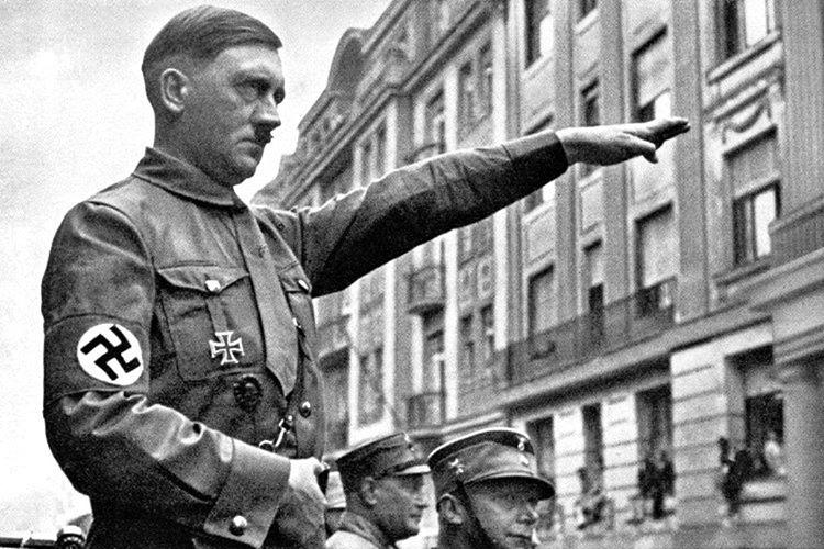 Hitler, Yahudilere soykırıma başladığı zaman Rothschildlar kendilerini namlunun ucunda buldu.