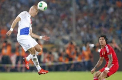 http://43sports.blogspot.com/2016/09/teknik-dasar-heading-bola.html