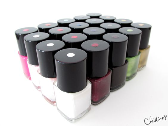 How to Organize Your Nail Polish Collection Different Ways