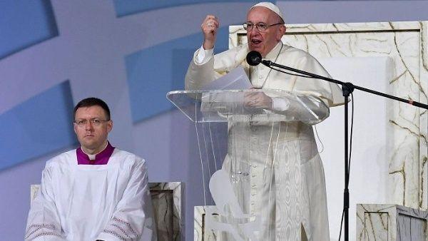 El papa pide una solución pacífica y justa para Venezuela