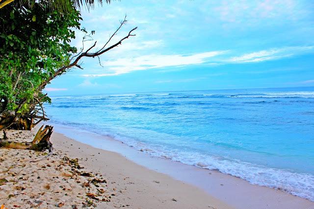 Surga Para Surfer Di Pantai Tanjung Setia Lampung, Silahkan Share..!!
