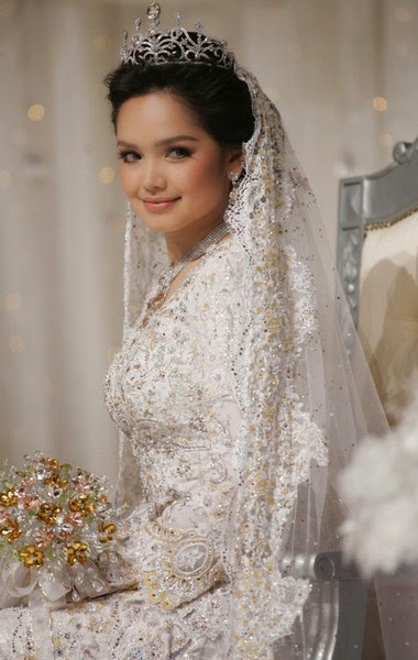 The Bride Theory The Wedding Tiara Like A Princess Look
