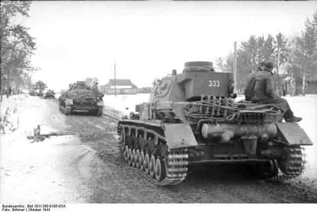 Panzer IVs in Russia, 30 October 1941 worldwartwo.filminspector.com