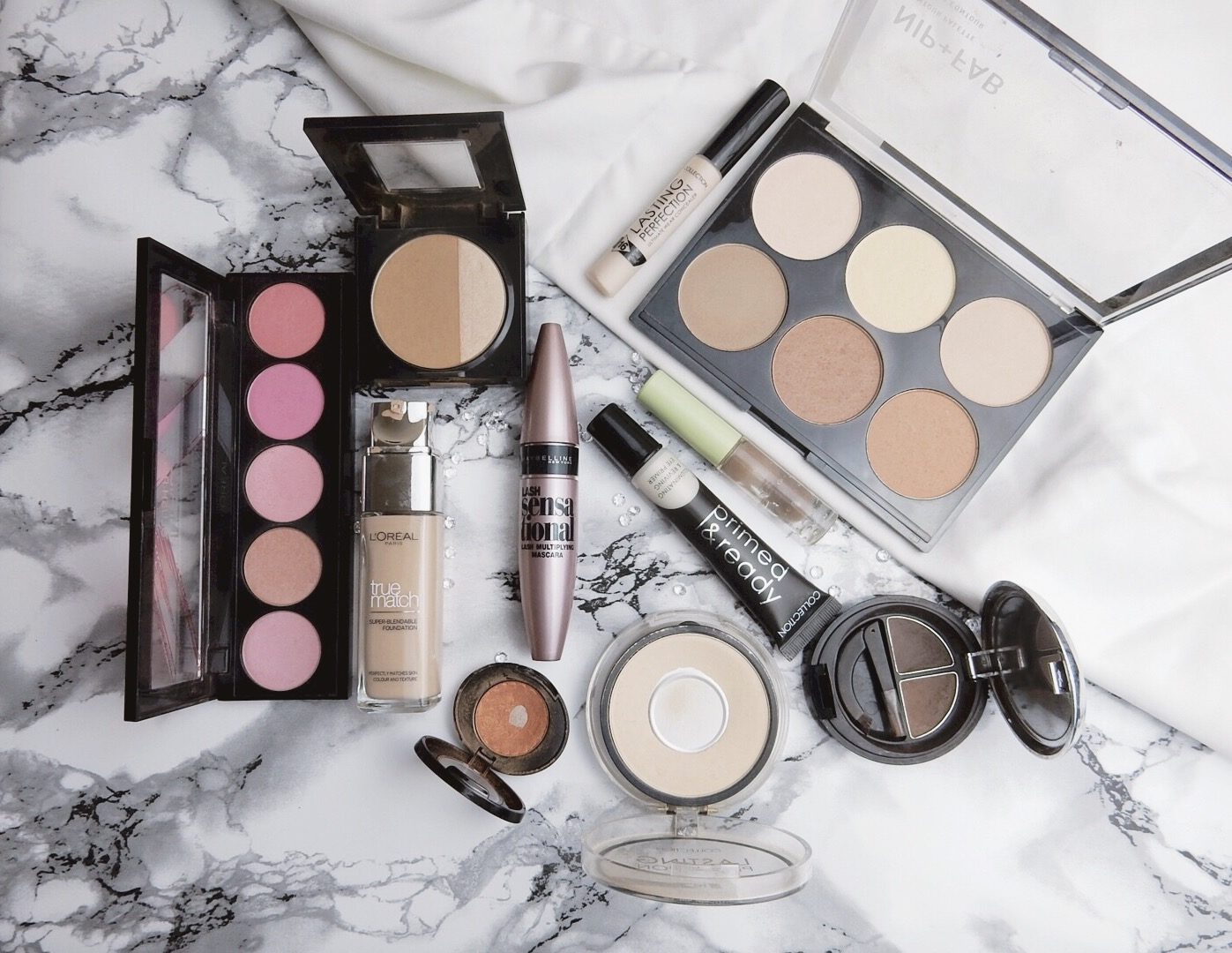 3 Tips For The Ultimate Flatlay