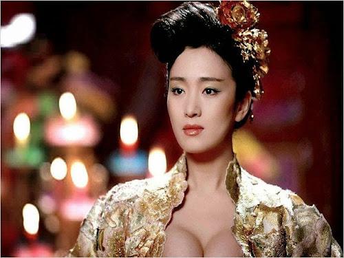 """Cena de Gong Li no filme """"Adeus minha concubina"""", de Chen Kaige"""
