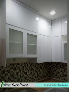 Kitchen set minimalis di Kemanggisan jakbar