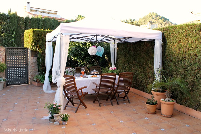 C mo decorar una carpa para una fiesta al aire libre for Como decorar el patio de mi casa