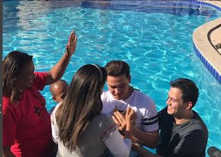 Cantor Wesley Safadão se converte a religião evangélica
