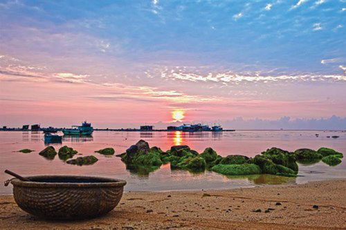 Top Islands along the Middle of Vietnam for Your Trip
