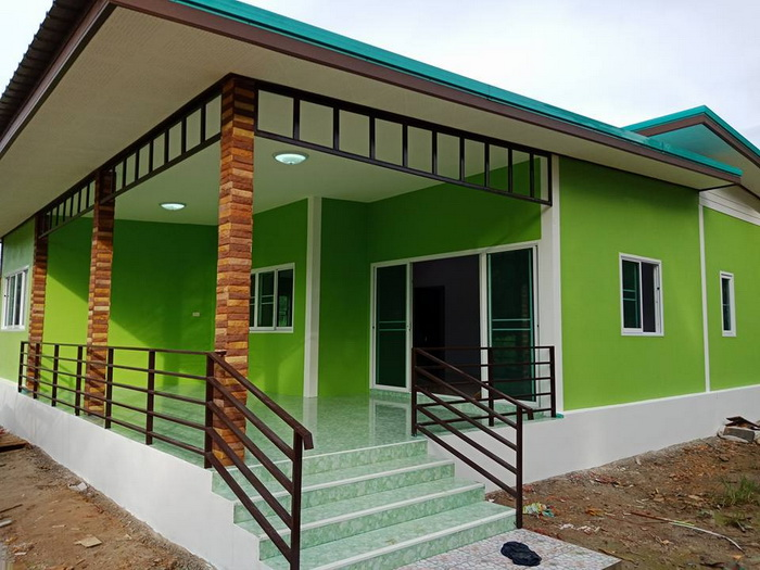 If you are looking for an eye-catching green exterior house If you are looking for an eye-catching green exterior house color ideas, check these two house designs that consist of two to three bedrooms, one bathroom, living room, a kitchen and a total area under 120 square meters of living space The budget for the construction is 780, 000 baht below.