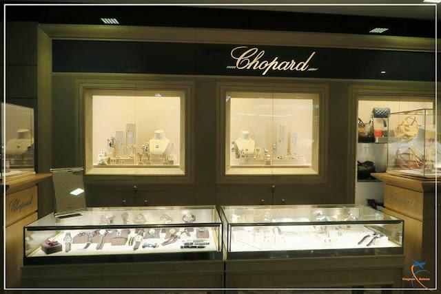 Joias, relógios e óculos de luxo no 1º andar da Monalisa