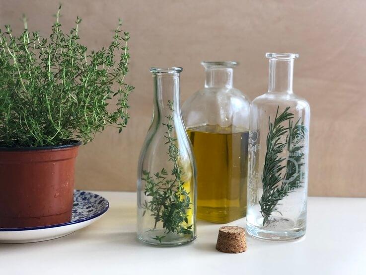 Aceite aromatizado con romero y tomillo