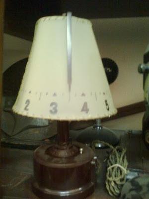 Orologio lume in bachelite per radiosveglia - anni '40