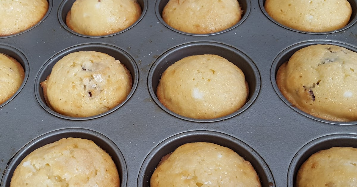 My Patchwork Quilt: CRANBERRY CHEESECAKE MUFFINS