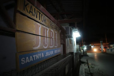 Polisi Indonesia Menginterogasi Wartawan Tabloiod Jubi