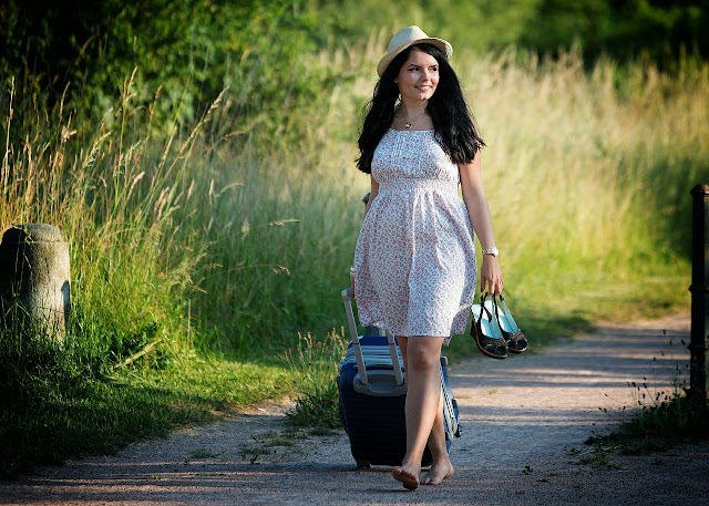 traveling, girl, luggage