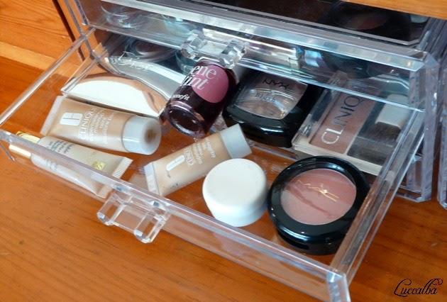coloretes, bases de maquillaje