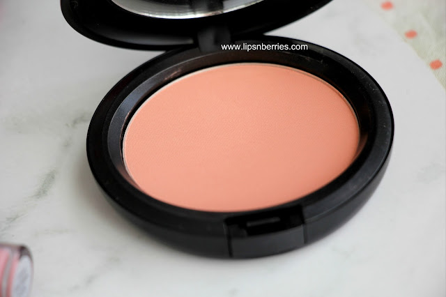 MAC sunny surprise beauty powder swatch