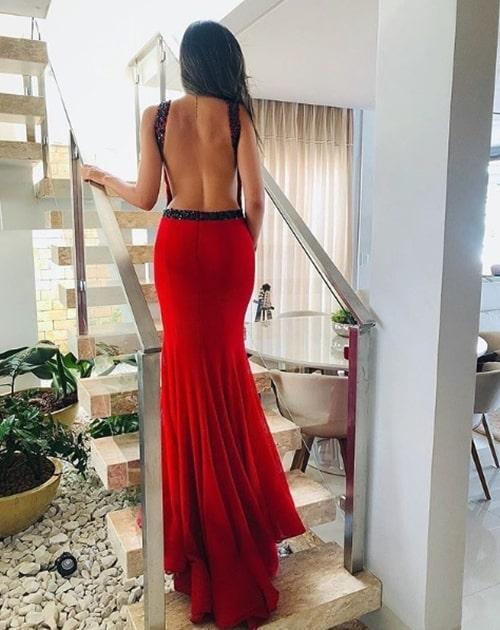 vestido de festa vermelho com decote nas costas
