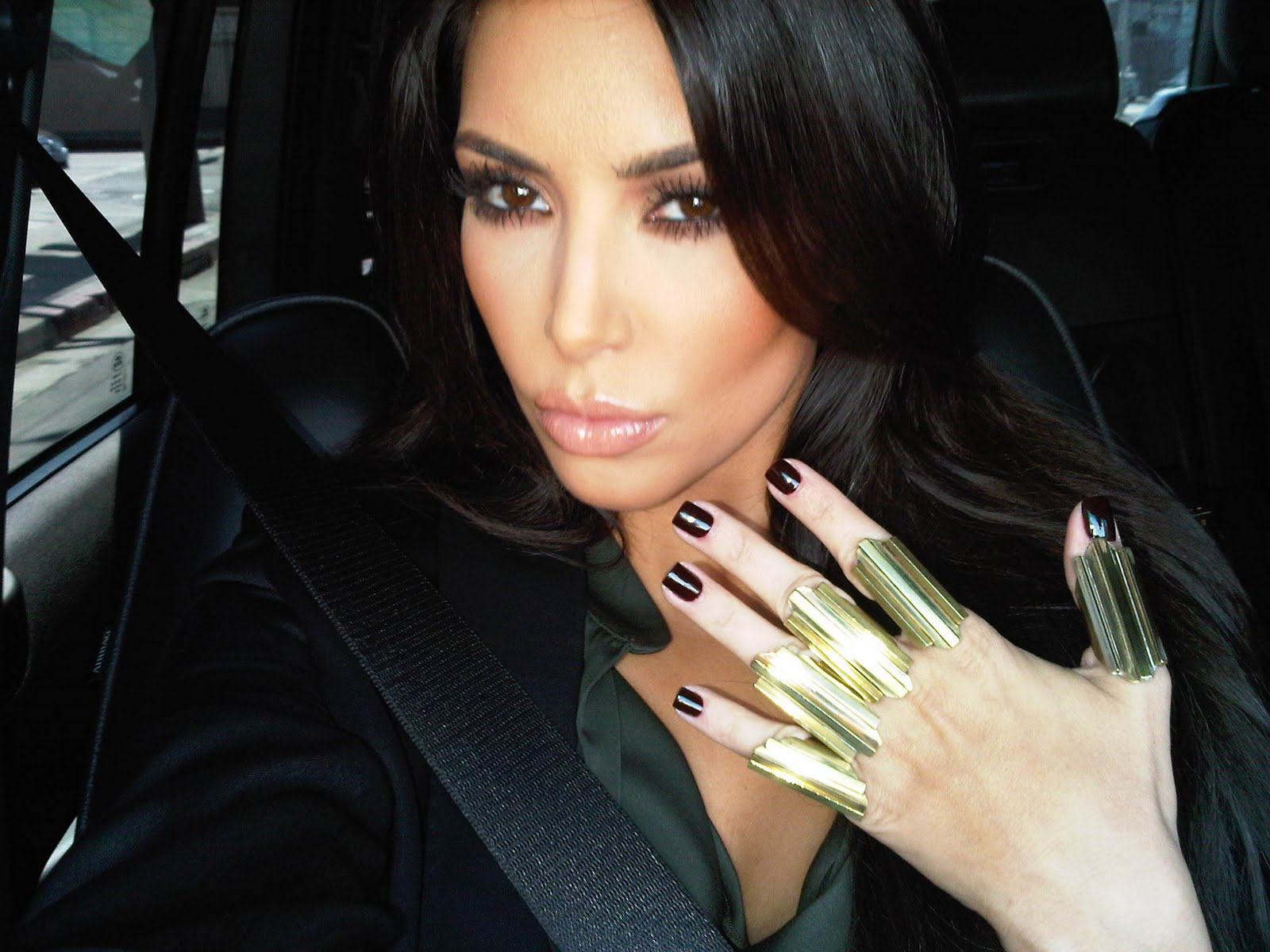 Kim Kardashian HQ Pics & Videos: Kim Kardashian Twitter Pics