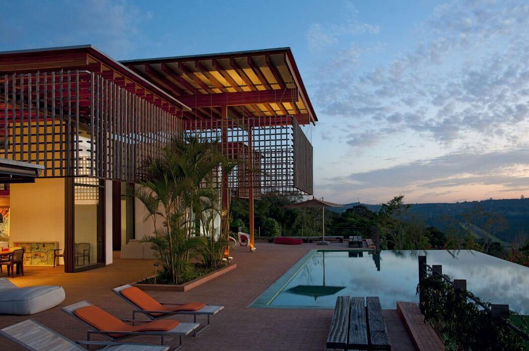Casa en la selva atl ntica de brasil candida tabel for Piscina y candidiasis