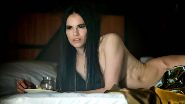 Women masturbating with pillows nude