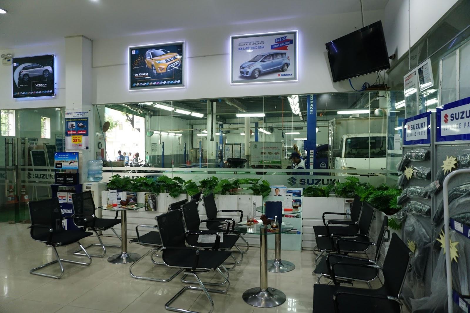 Khách hàng sẽ được tư vấn, chăm sóc tận tình tại đây bởi nhân viên Suzuki World