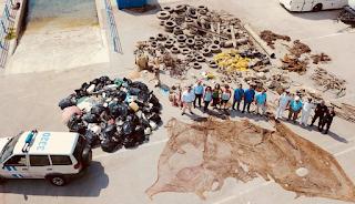 Καθάρισαν τις ακτές του Πόρου - Τι «ξέβρασε» ο βυθός