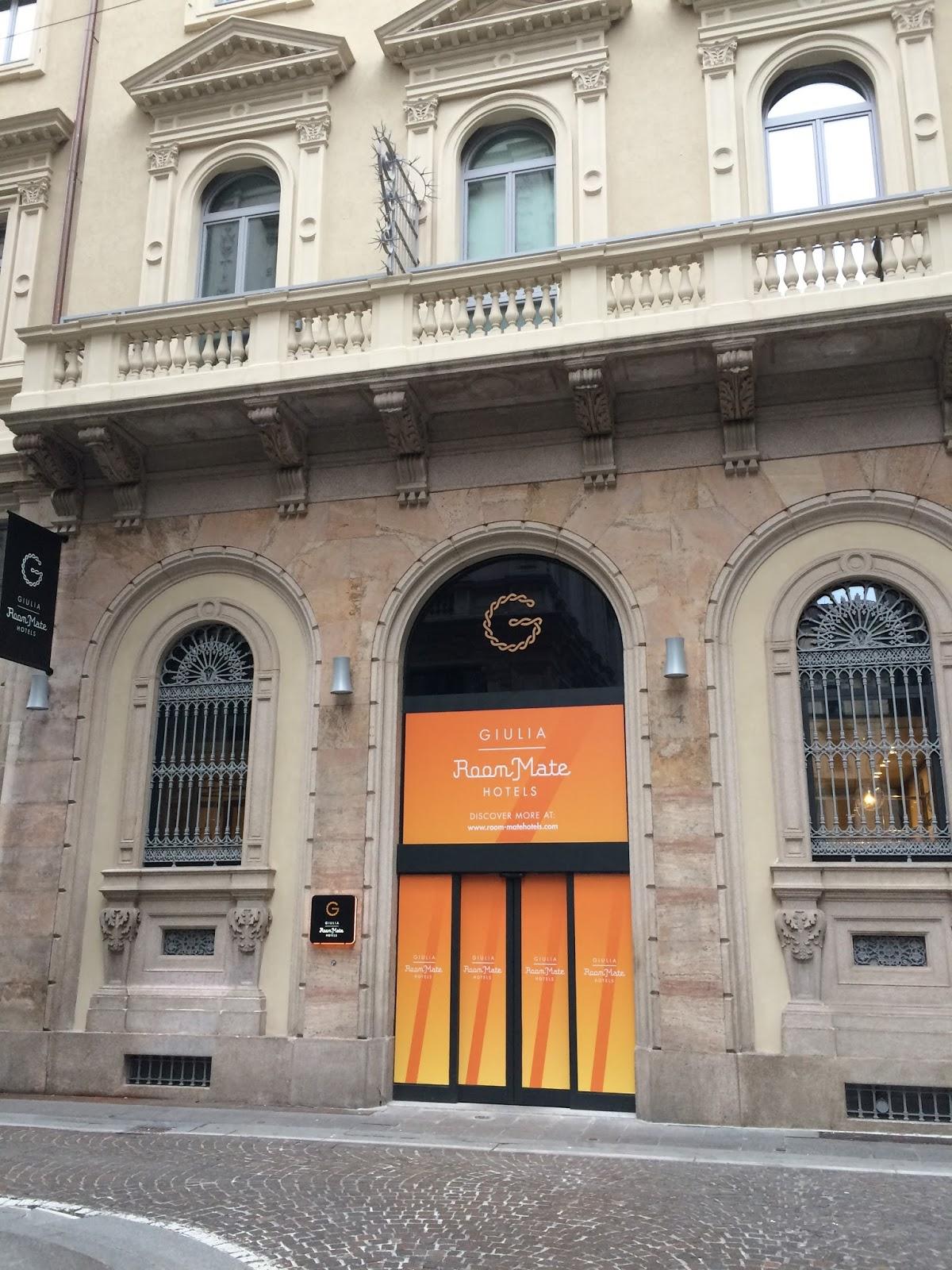 Porte a soffietto room mate giulia hotel milano - Porte a soffietto milano ...