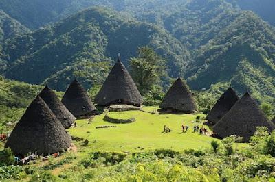 kampung adat waerebo