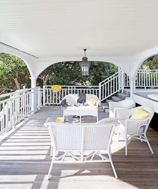 Laid-back living. Wicker has become synonymous with Hamptons style {Cool Chic Style Fashion}