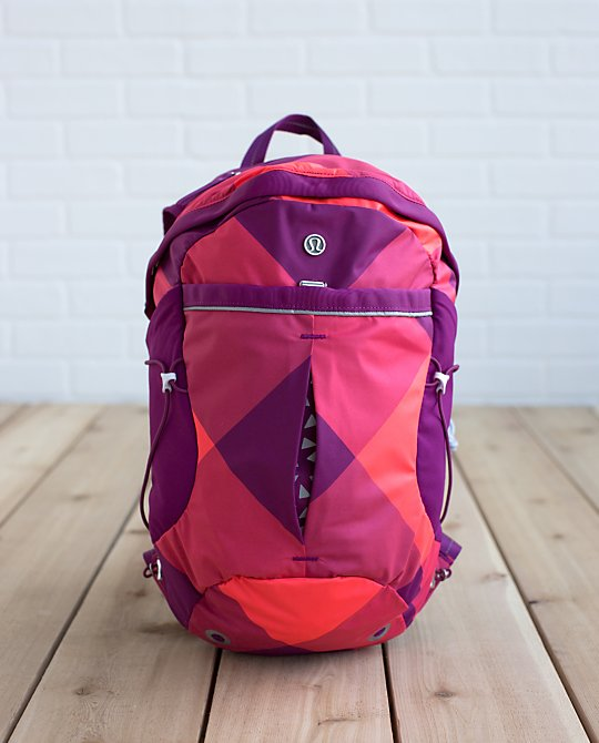 lululemon-run-all-day-backpack electric coral
