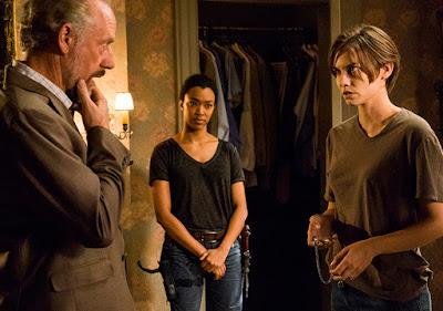 Gregory (Xander Berkeley), Sasha (Sonequa Martin-Green) e Maggie Greene (Lauren Cohan)