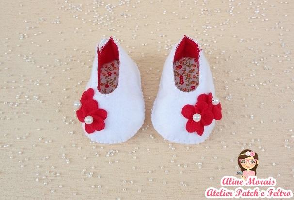 sapato sapatinho de feltro flores floral  para bebe nenem