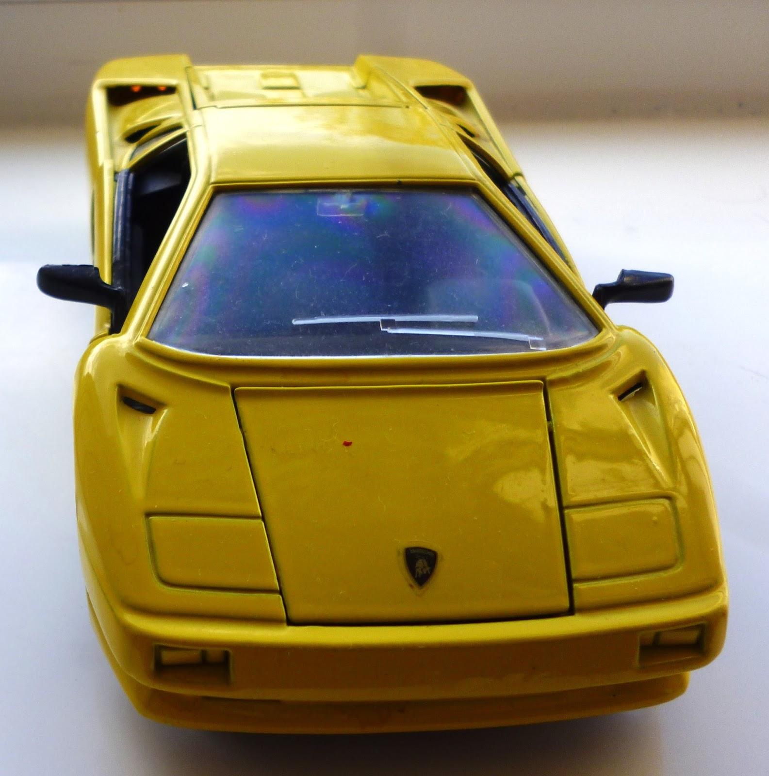 Ken S Vintage Toys Maisto Yellow Lamborghini Diablo 1990 1 24 Scale