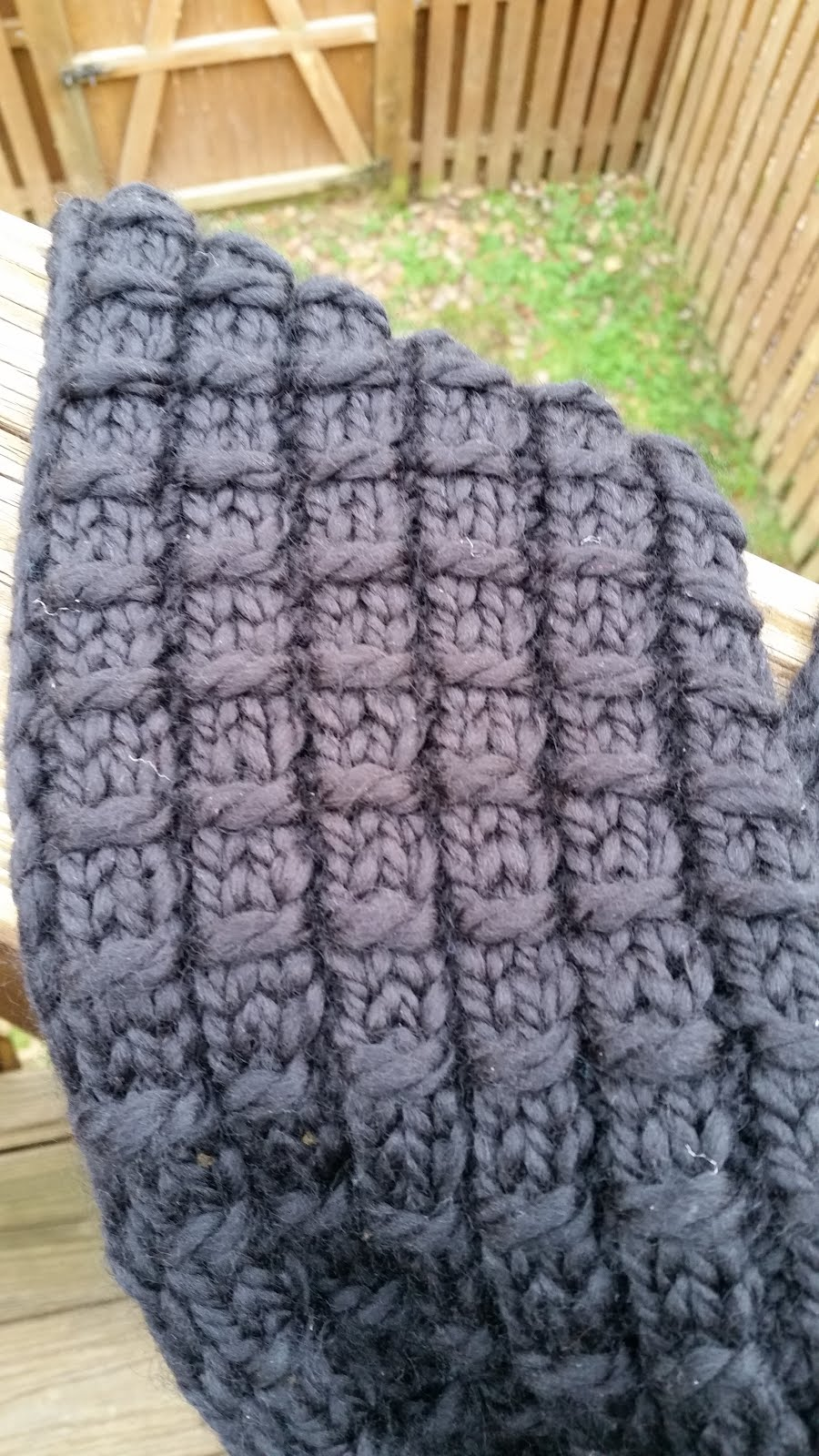 Crafty MomMe: Bamboo Stitch Loom Knit Scarf