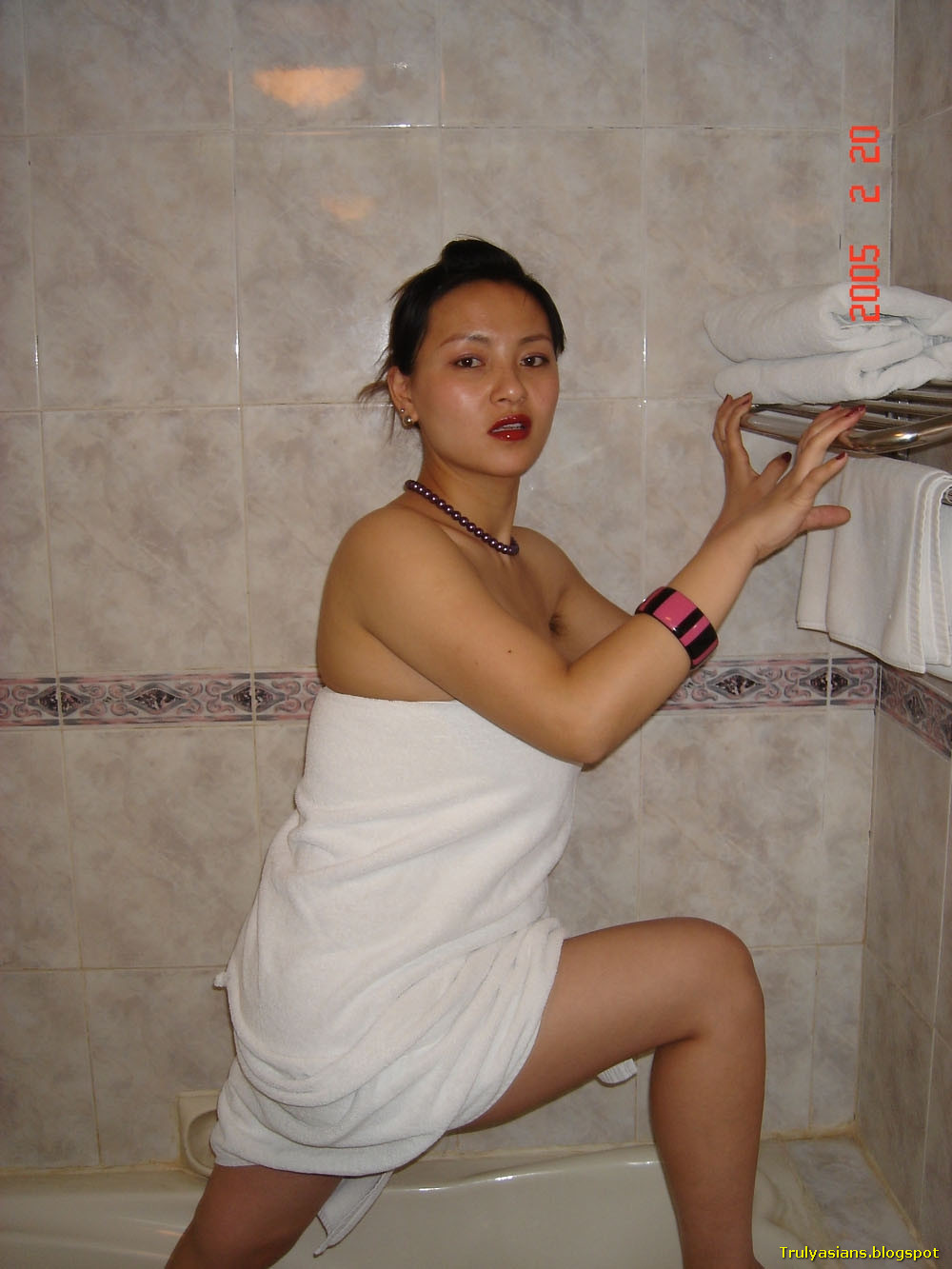 Chinese naked wife photo are mistaken