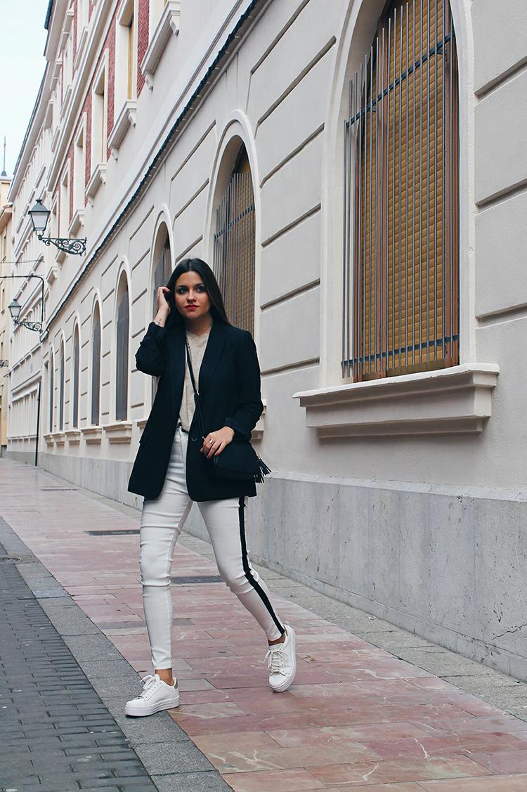 combinar pantalones blancos invierno moda