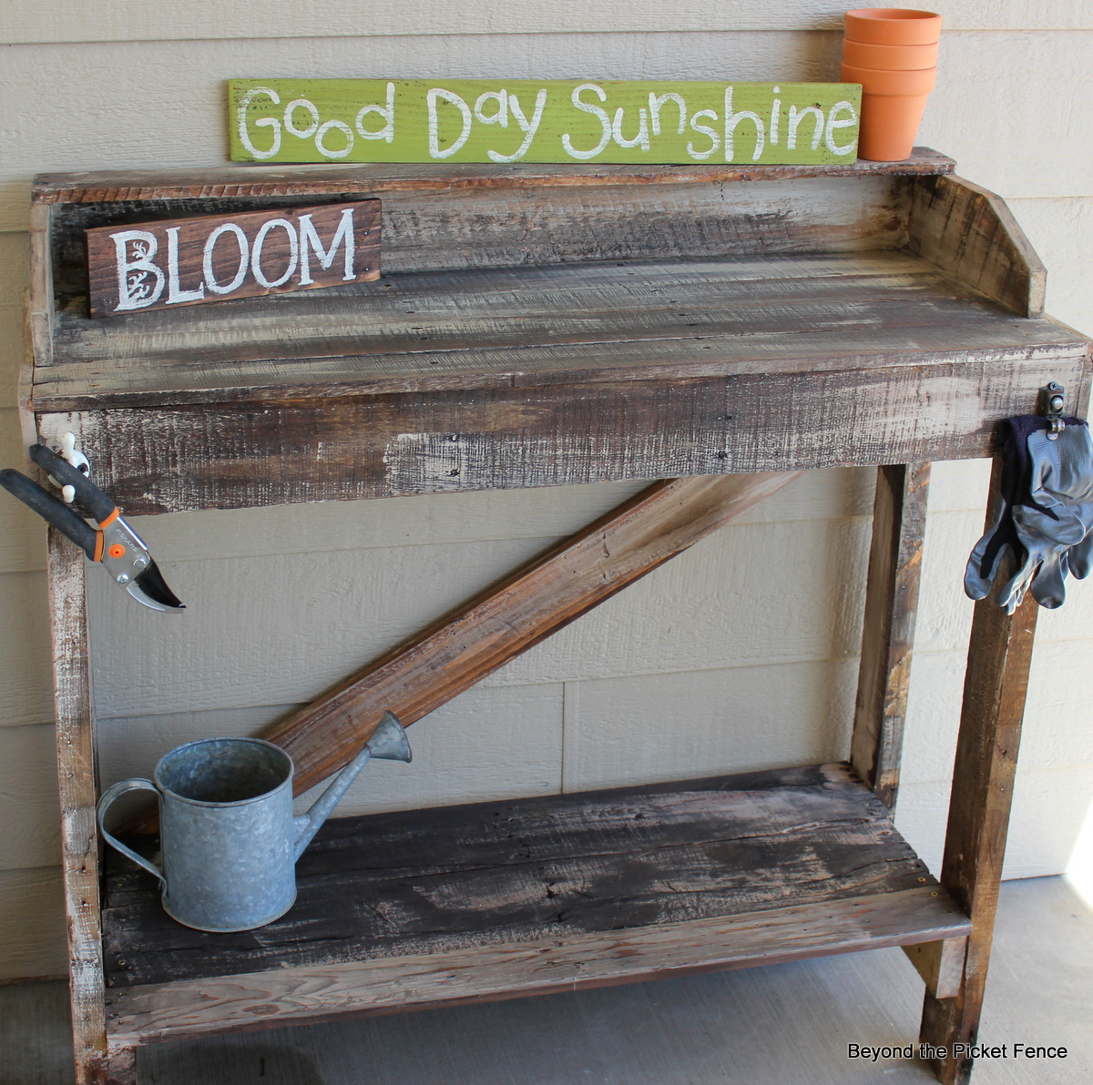Beyond The Picket Fence Rustic Pallet Potting Bench