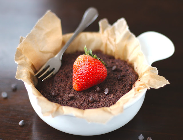 You can make this Chocolate Quinoa Flake Microwave Cake in 5 minutes flat! It's low fat, sugar free, gluten free, and vegan, but without the healthy taste.