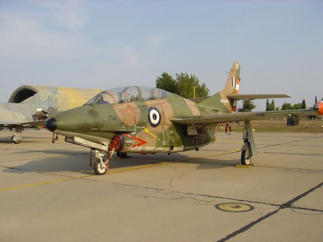 Πτώση αεροσκάφους: Ποιο είναι το εκπαιδευτικό Τ-2 που έπεσε στην Καλαμάτα