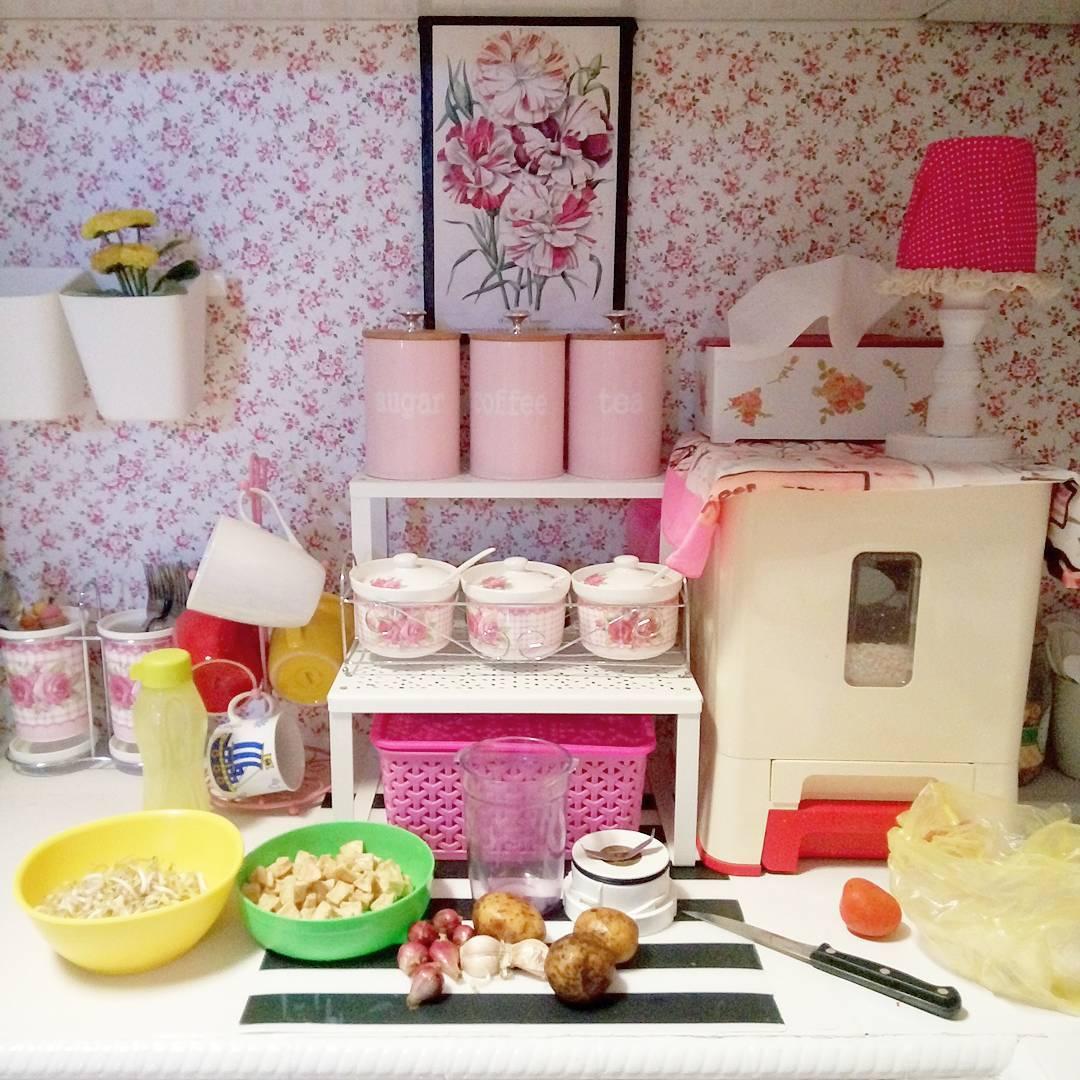 Warna Putih Dan Pink Adalah Paduan Yang Pas Dalam Dekorasi