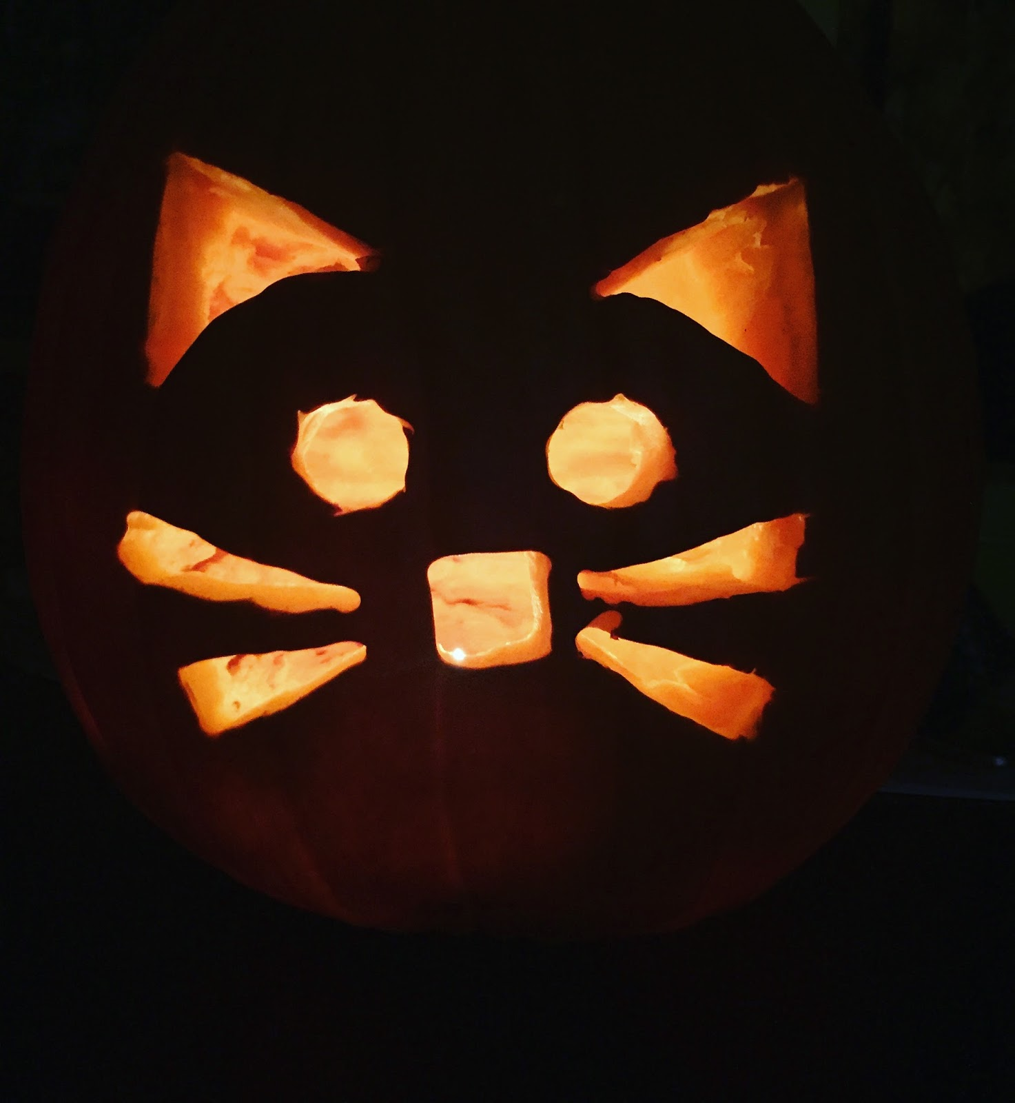 Maria\'s Space: Let These Emoji Style Pumpkin Carving Templates Get ...