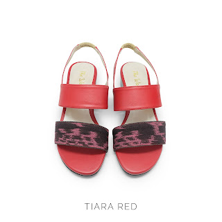 TIARA RED THE WARNA