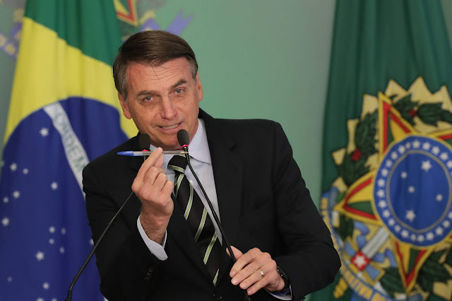 Bolsonaro extingue 21 mil cargos do Poder Executivo Federal