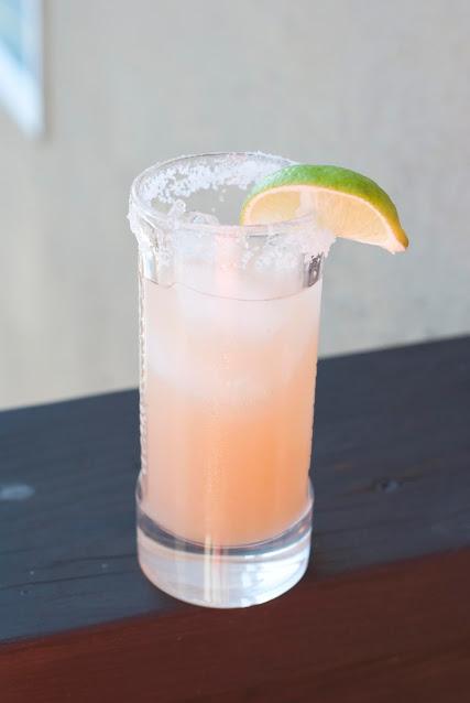 salty dog cocktail, shot, gin, grapefruit juice