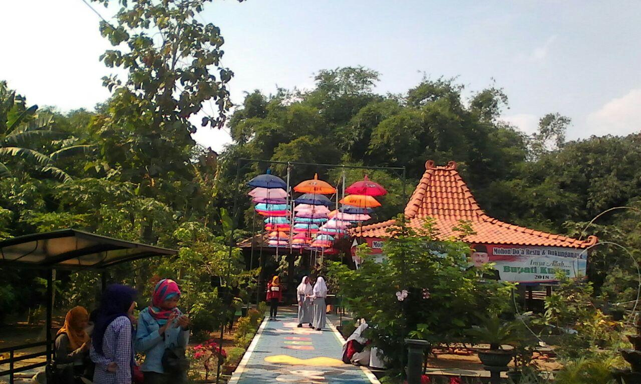 Nikmati Taman Warna Warni Di Kampung Iklim Kudus Travelklik